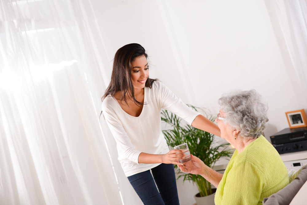 4 Random Acts of Kindness to Try During a Senior Living Visit